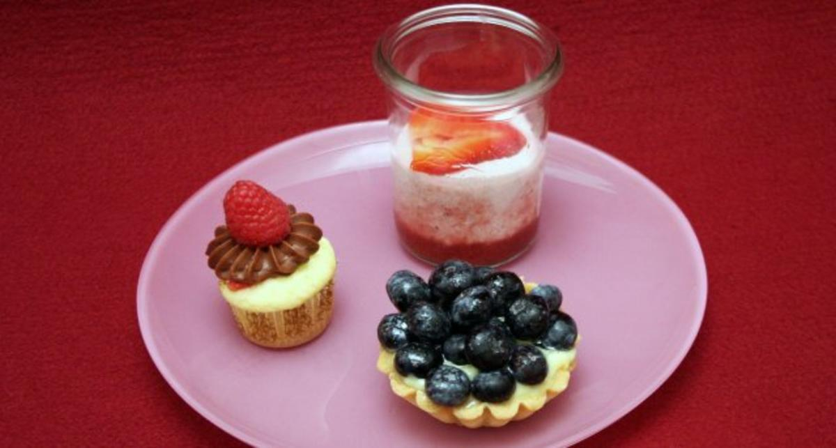 das perfekte dinner petits desserts rezept rezepte kochen. Black Bedroom Furniture Sets. Home Design Ideas